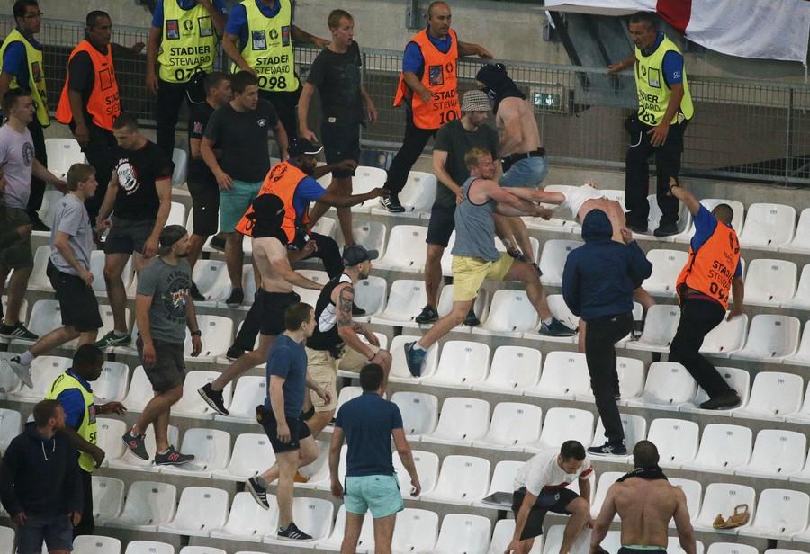 West Ham manager Manuel Pellegrini mugged by gunmen in Chile