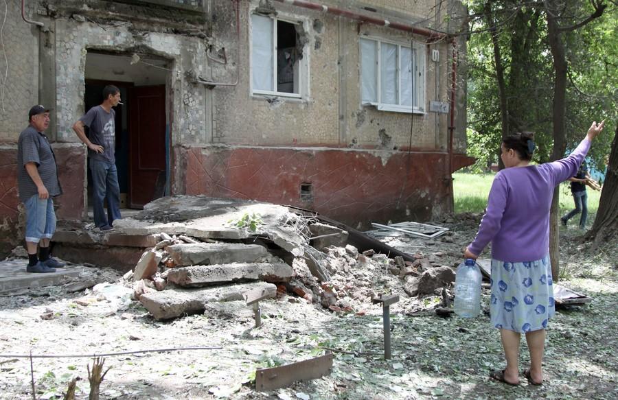 Putin pledges help to unrecognized Donbass republics, warns Ukraine against attack