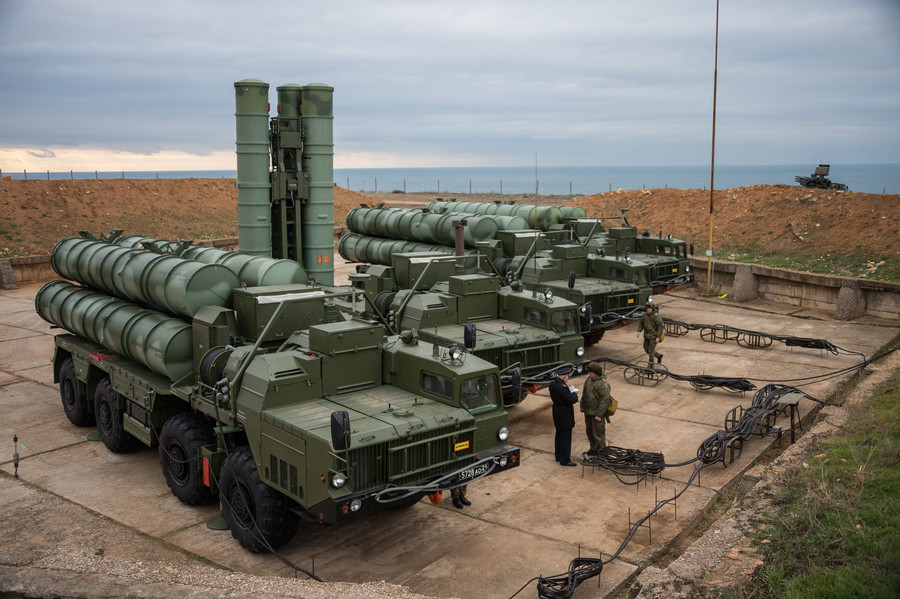 Qatar buys range of arms from Russia, discusses purchase of S-400 missiles
