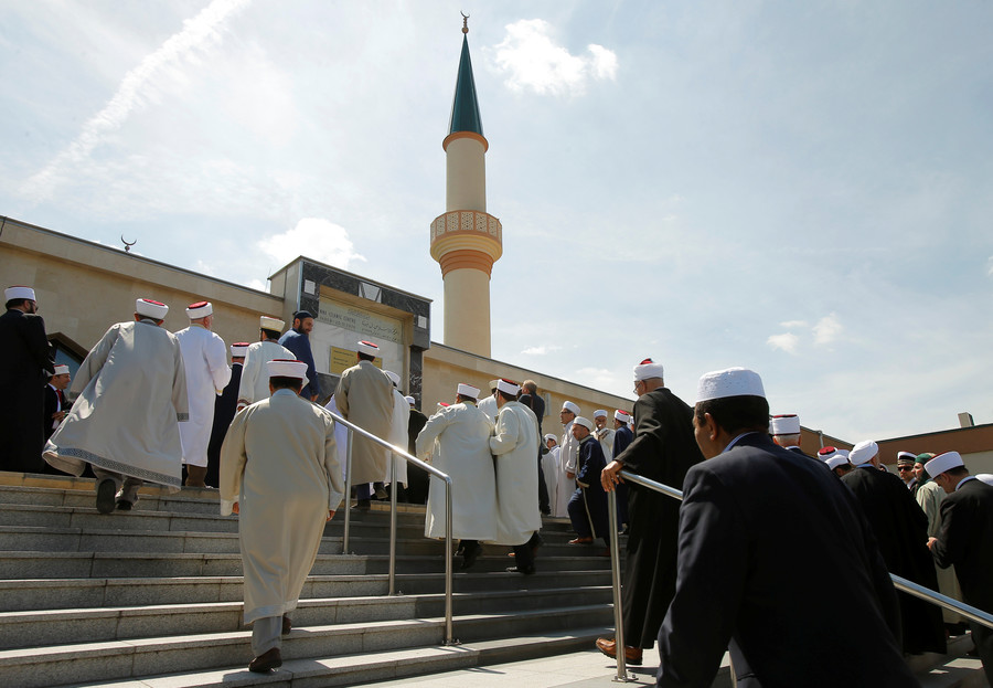 'Islamophobic' Vienna's move to expel imams targets Muslims for 'political points' – Turkey