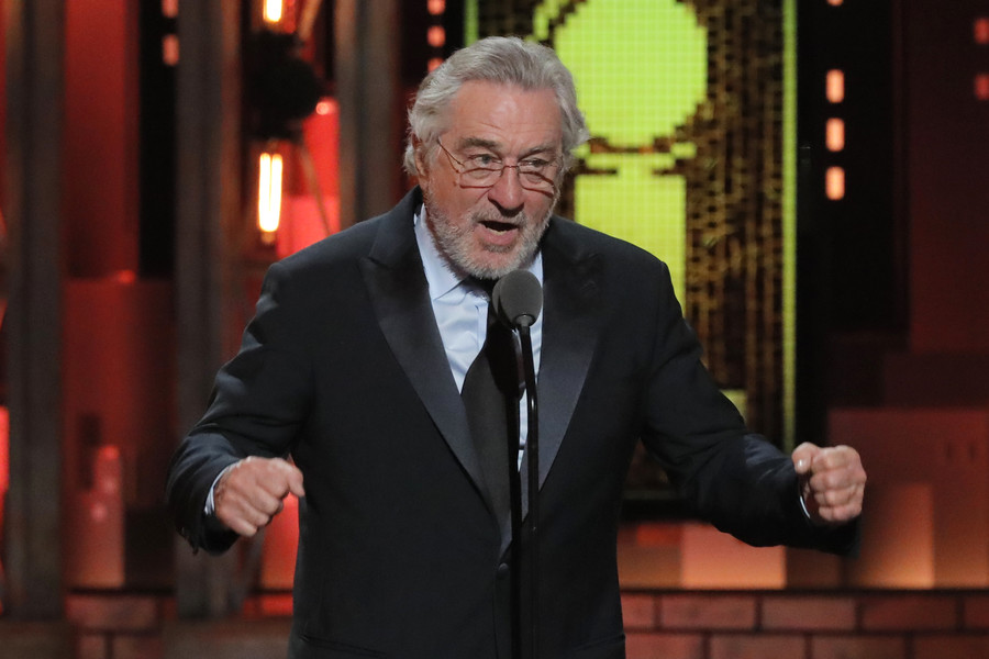 Robert De Niro launches lazy F-bomb at Trump on live TV, crowd goes way too wild