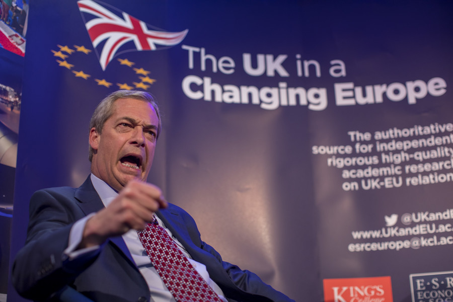 Is Nigel Farage woke? Ex-UKIP leader warns party off supporting Tommy Robinson