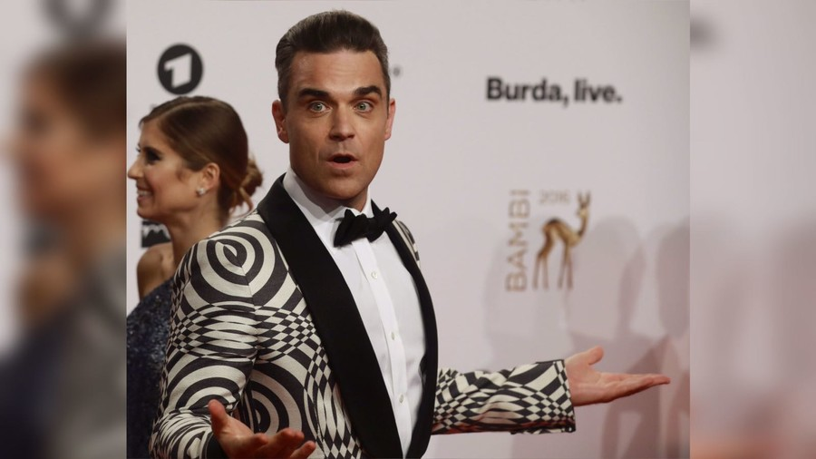 Robbie Williams is 'selling his soul' to Putin, say usual UK suspects