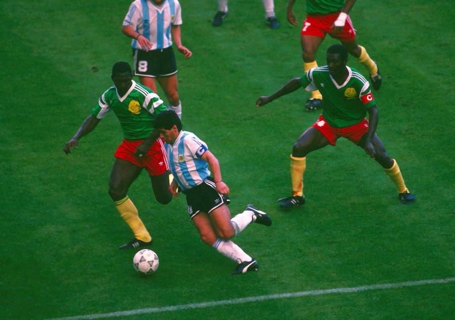 Football - 1990 FIFA World Cup - Group B - Argentina v Cameroon © Action Images / David Jacobs / Reuters