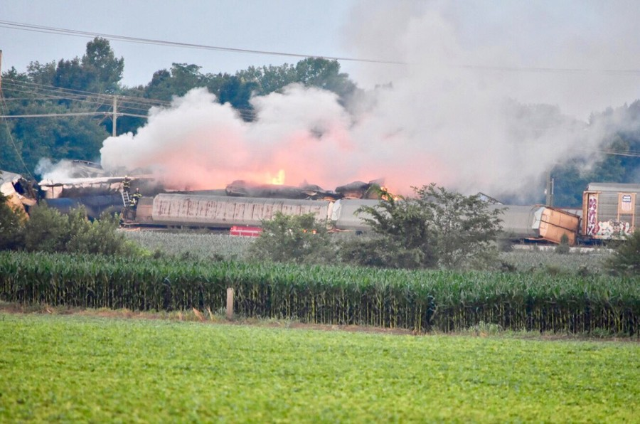 Freight train derails & explodes in Indiana causing propane-fueled inferno (PHOTOS, VIDEO)