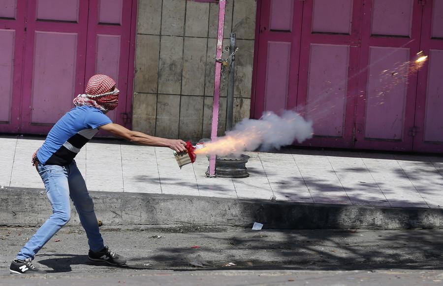 Israeli arrested for selling fireworks to East Jerusalem man for use against police