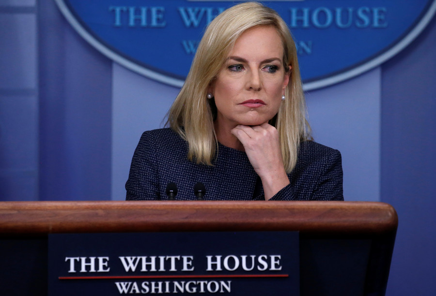 Homeland Security chief chased out of Mexican restaurant amid immigration uproar (VIDEO)