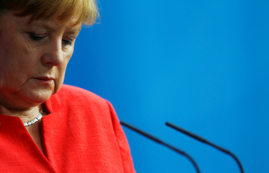 Migrant deadlock: Just 18% of Germans say Merkel will find EU-wide solution, poll reveals