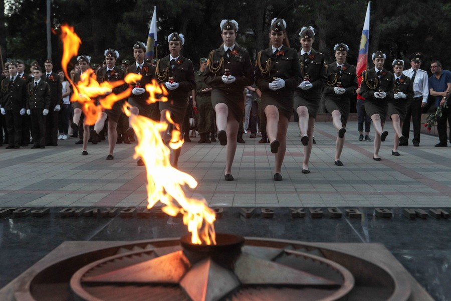 Russians' interest in World War Two on the rise, poll shows