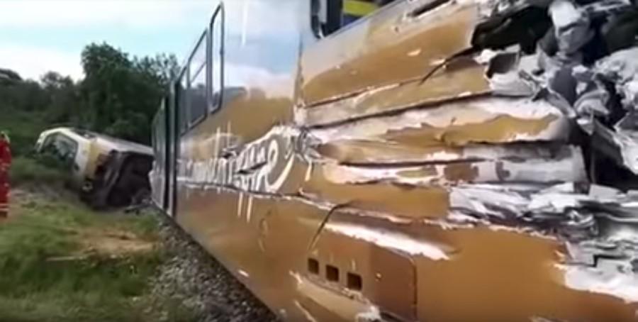 30 injured as train carrying dozens of passengers derails in Austria (PHOTOS)
