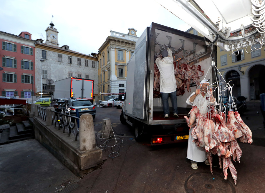 French Butchers plead for government's protection against 'terrorist' vegans