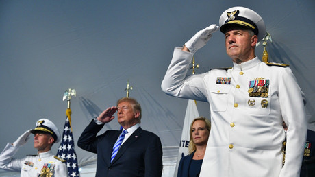 US President Donald Trump salutes during a change of command ceremony at Coast Guard HQ June 1, 2018 in Washington, D.C. © Patrick Kelley