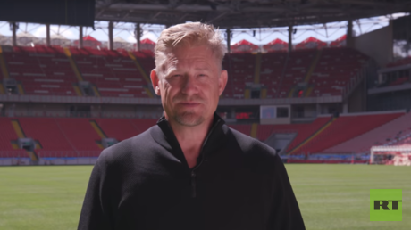 The Peter Schmeichel Show: Legendary goalkeeper explores World Cup host cities (Moscow)