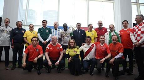 5b22ef4adda4c85a4b8b45eb UN envoys sport team jerseys to embrace Russia 2018 World Cup kickoff (PHOTOS, VIDEO)