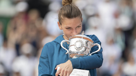 'Je suis Simona': Romanians angry after Charlie Hebdo depicts tennis star as scrap metal collector