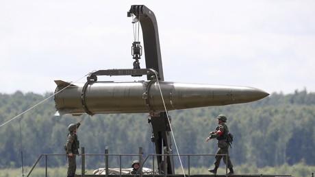 WATCH Russia's Iskander mobile launcher firing ballistic missile (VIDEO)