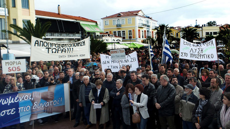 FILE PHOTO. Residents of Lesbos protest against the Athens' decision to send more refugees to the island on November 20, 2017. © Anthi Pazianou