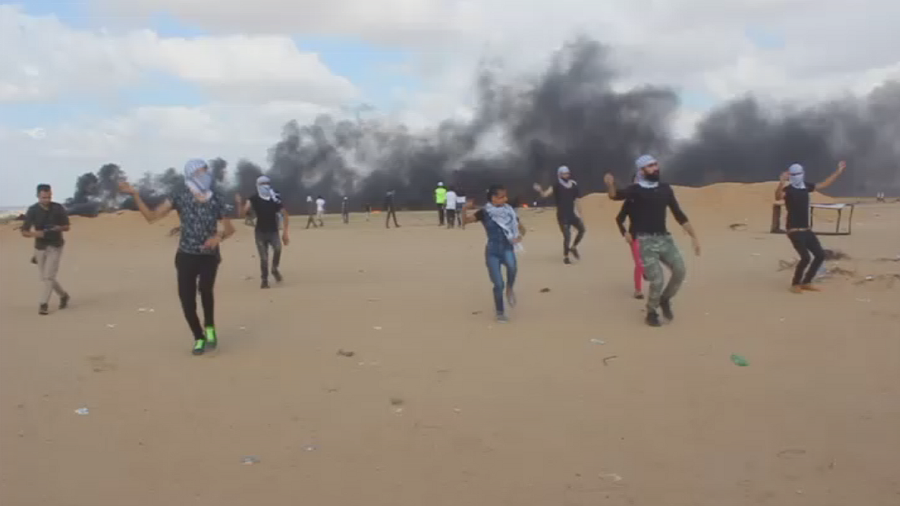Great Dance of Return: Palestinians perform Dabke to the sound of bullets at Gaza border (VIDEO)