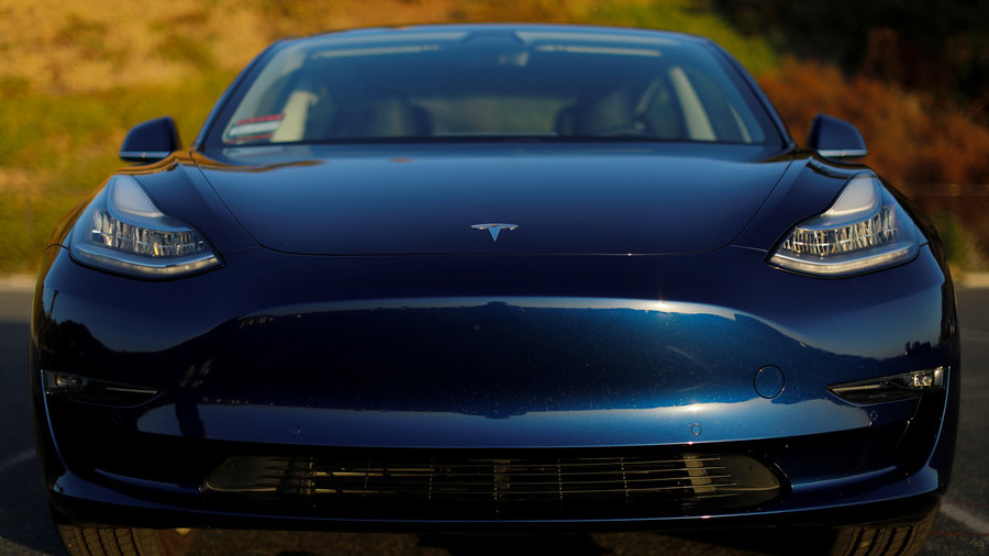 Reaching Model 3 production target doesn't solve Tesla's problems