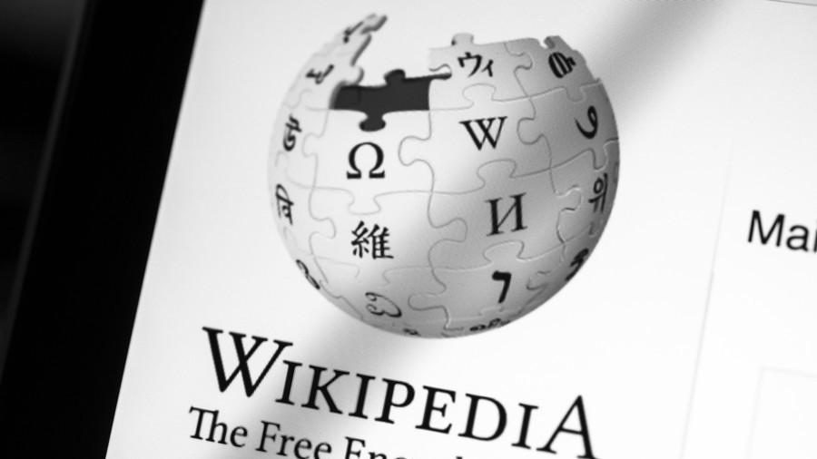 Italian Wikipedia goes dark in bid to save memes and remixes from new EU online copyright law