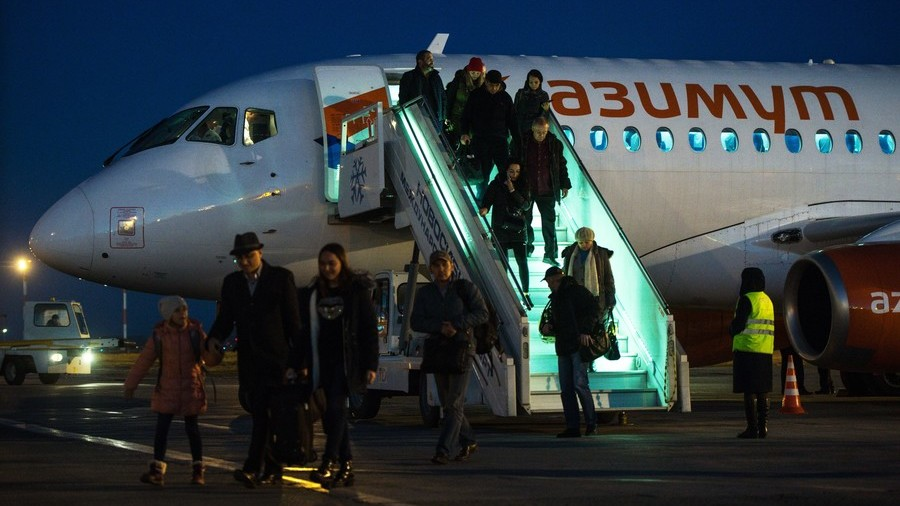 'Air hooliganism': Fines for misbehaving on planes to rise tenfold under Duma committee plan