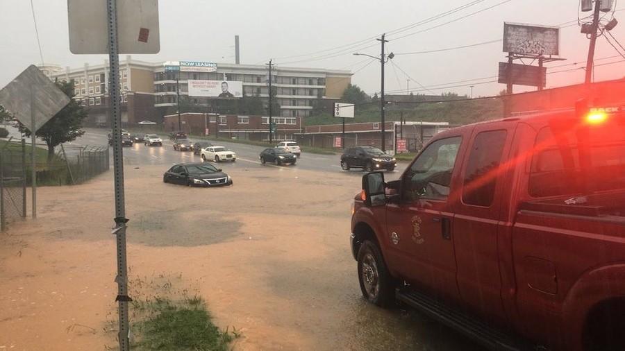 Storm floods Atlanta freeway, strands motorists (PHOTOS, VIDEO)