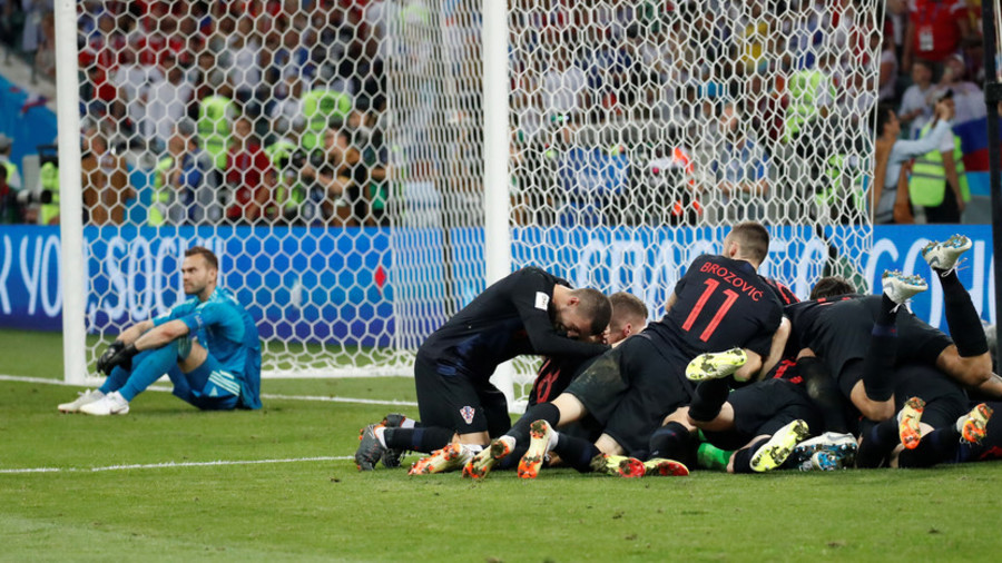 Croatia 2-2 (4-3 pens) Russia: Croatia through to semis with pulsating penalties win over hosts