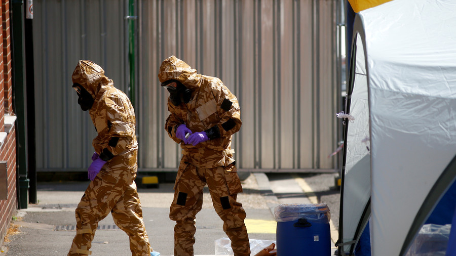 British couple probably touched deadly nerve agent's container: authorities