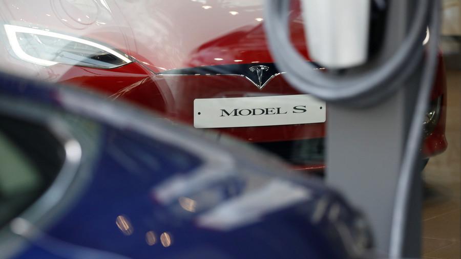 Tesla fails braking test again & dismisses results
