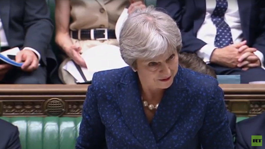 MPs jeer & laugh at May as PM pays tribute to Johnson & Davis (VIDEO)