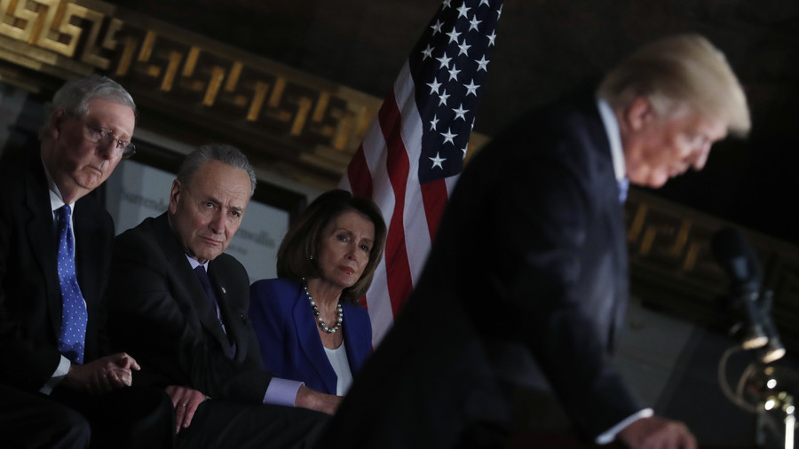 Wanting younger leadership is 'sexist' says Pelosi, after forgetting Senate leader's name