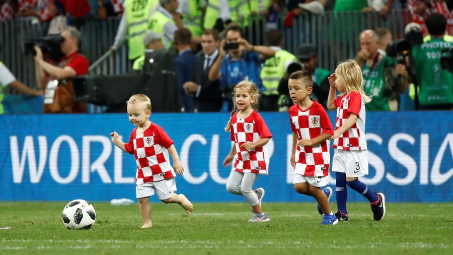 Sweet child o' mine: Croatian kids help celebrate win with Luzhniki kickaround