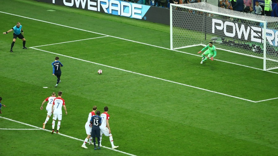 France score off first-ever World Cup final VAR penalty, but was the ref right?