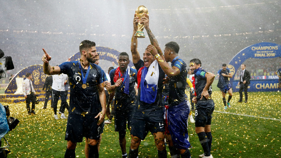 Champions France hoist the World Cup in Moscow (PHOTOS)