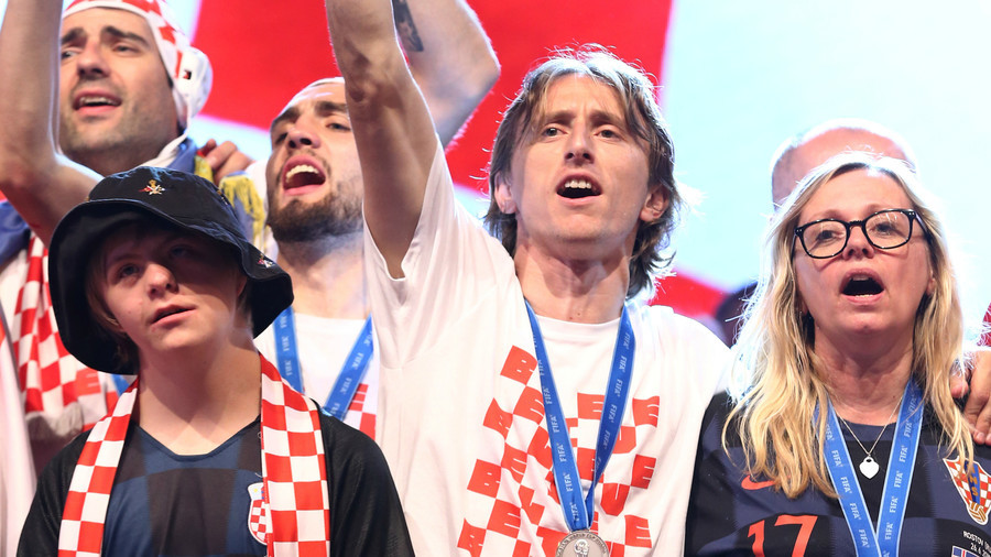 Modric invites boy with Down syndrome to join Croatia's World Cup celebrations (VIDEO)