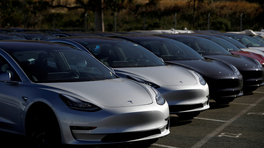Tesla Asks Suppliers for Cash to Stay Afloat