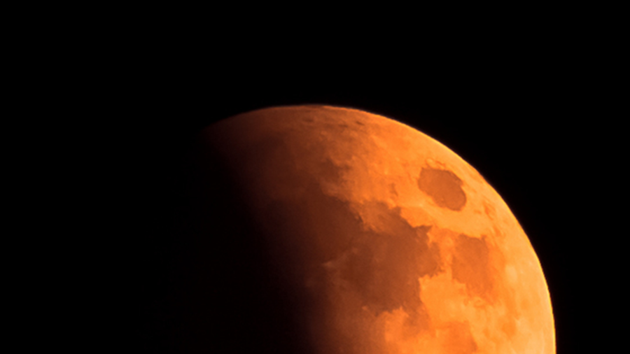 The blood moon lunar eclipse is here (and so is Mars)