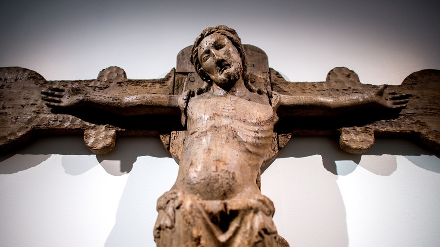 'Hands off the crucifix': Pope Francis adviser slams League's 'blasphemous' bill