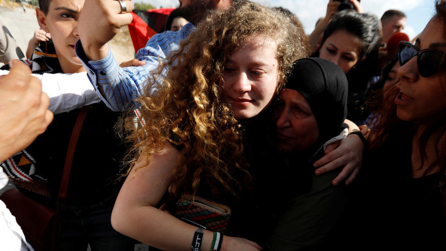Palestinian teen Ahed Tamimi returns to West Bank after 8 months in Israeli jail (VIDEO)