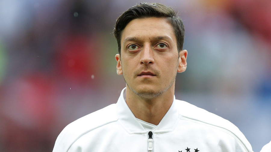 'It was cowardly' - Frankfurt sporting director tears into Mesut Ozil over retirement