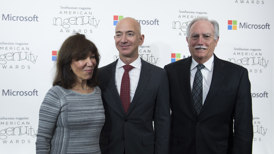 Jeff Bezos' parents may be ridiculously rich on 12,000,000% return on early Amazon investment