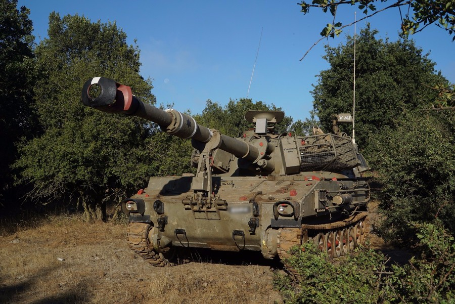 Israel boosts military presence with 'armor & artillery' troops in Golan Heights (VIDEO)