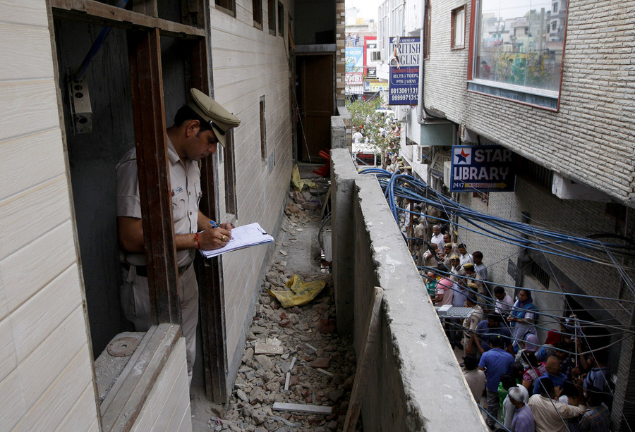 Mass 'religious' suicide? 11 bodies found in India's capital, most blindfolded & hanged (GRAPHIC)