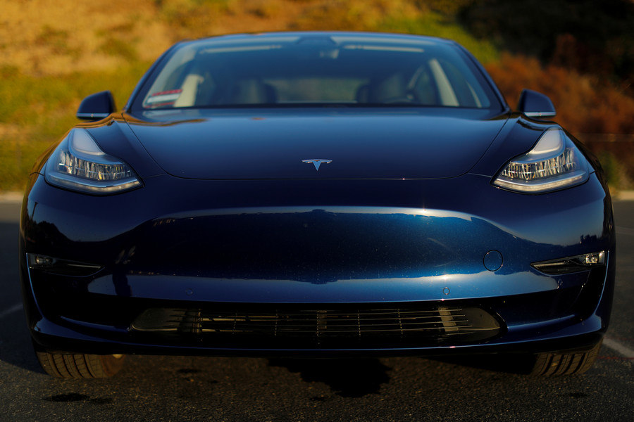 Tesla fails braking test again & dismisses results