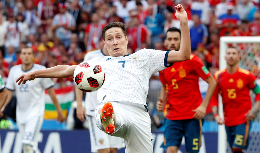 Mother Jones: Russian Football Team too white, Tatar is a type of sauce
