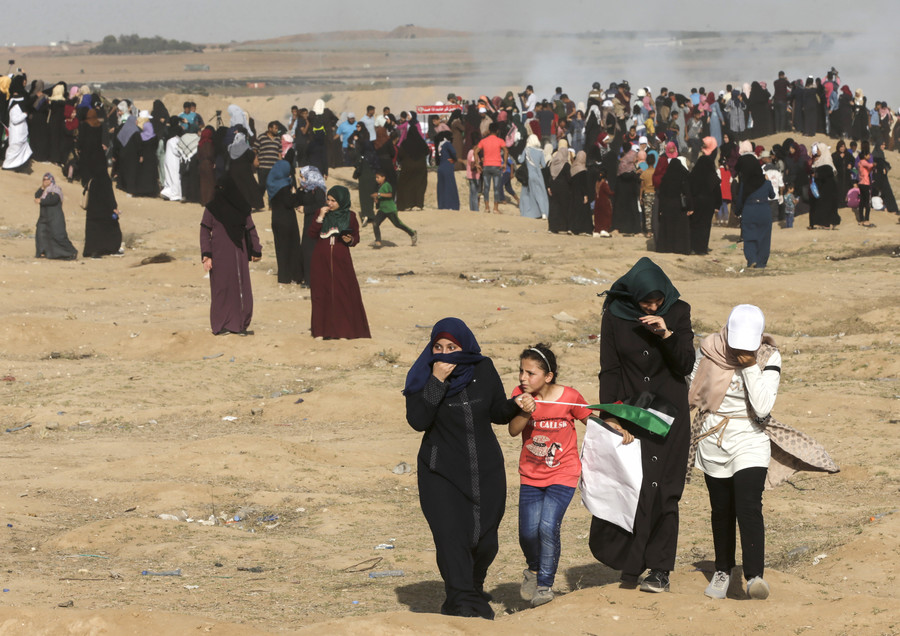 Gunfire & tear gas: Scores injured at massive 'Palestinian Women for the Return' protest (VIDEO)