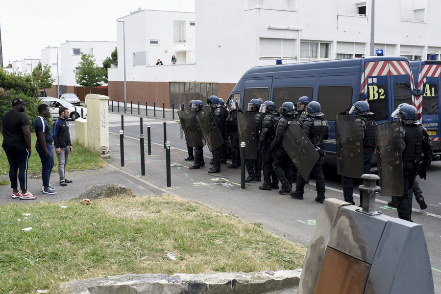 Police in full riot gear floods Nantes following violent clashes (PHOTOS, VIDEO)