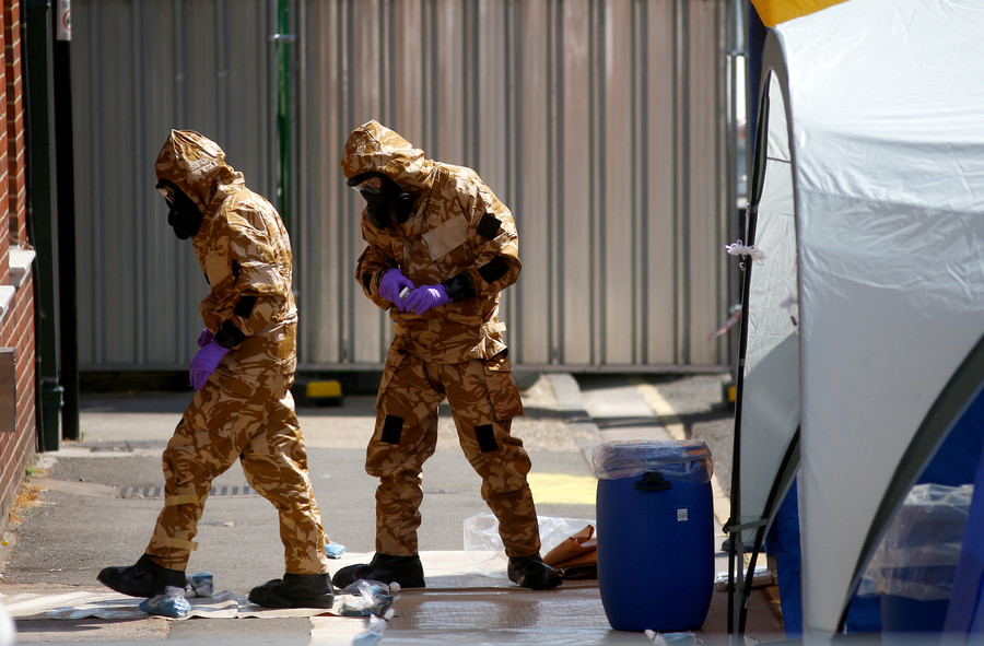 Woman exposed to nerve agent in Amesbury dies – UK police