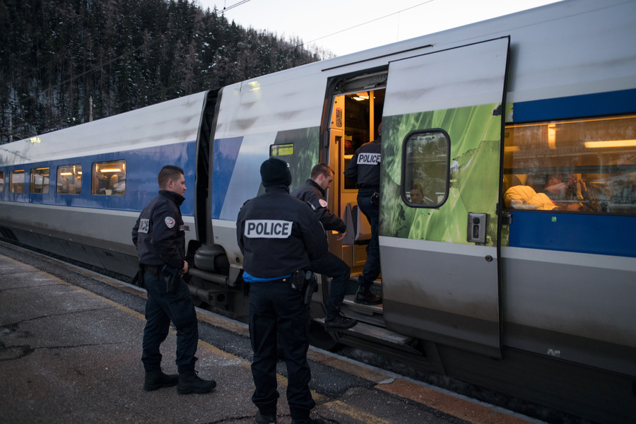 France deploys armed undercover agents on trains to prevent terrorist attacks