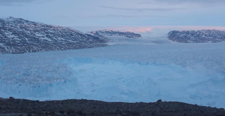 Enormous 4 mile long iceberg filmed breaking from Greenland glacier (VIDEO)